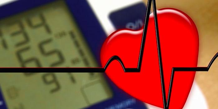 AED apparaat en de invloed van het aantal joules op de effectiviteit